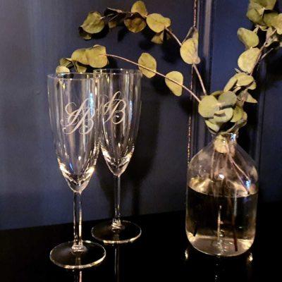 Flutes de champagne gravées à la main