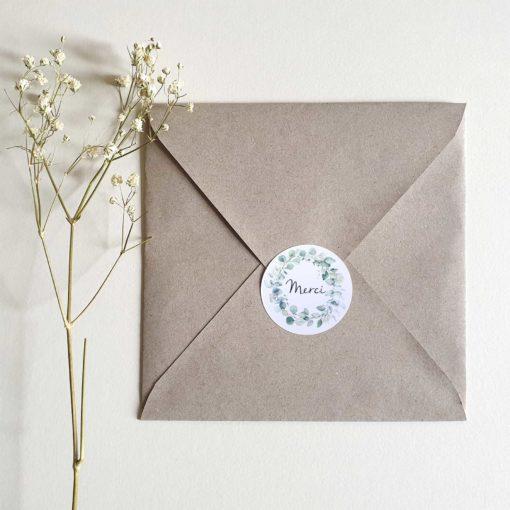 """Sticker rond """"merci"""" sur enveloppe"""