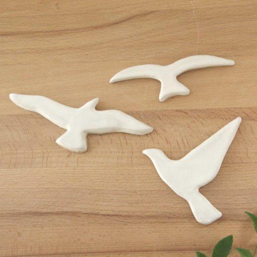 Trio d'aimants oiseaux en céramique blanche