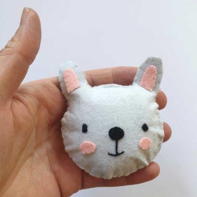 Suspension lapin en feutrine - kit créatif DIY