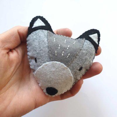 Suspension loup en feutrine - kit créatif DIY